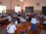 L'educazione scolastica è la base su cui sperare di costruire una generazione in grado di cambiare la storia dell'Africa. La sanità e l'alfabetizzazione vanno di pari passo e il GSA garantisce nella scuola di Tanguiéta i programmi di educazione sanitaria e di prevenzione.