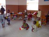 La sezione di scuola materna prepara i piccoli all'inserimento nella scuola elementare.