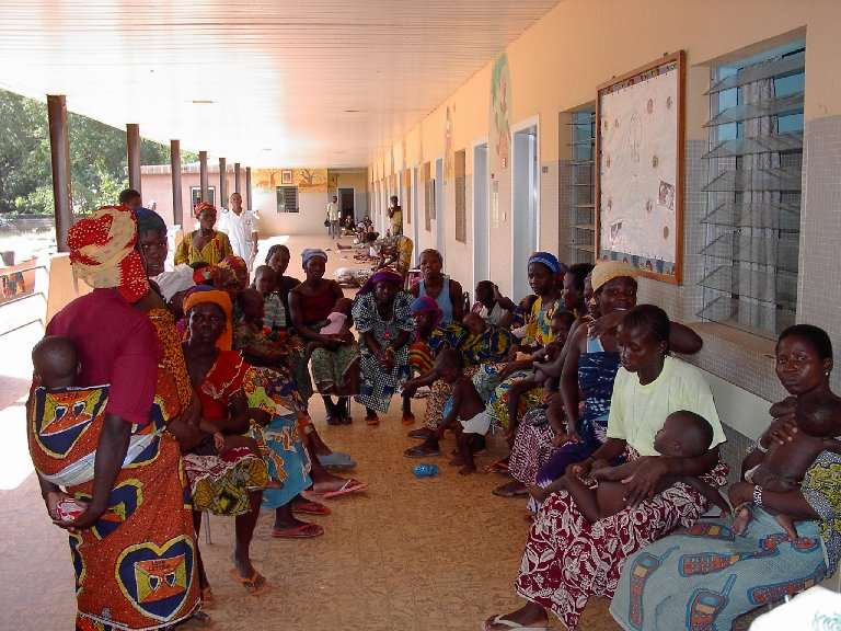 Gli incontri tra le mamme sono fondamentali per la trasmissione di informazioni e suggerimenti in campo sanitario. E' importante conquistare la fiducia delle più influenti e, come al solito, il gioco è fatto!