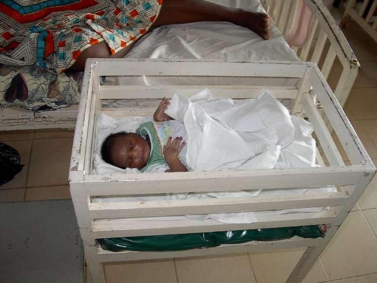 I primi giorni di vita sono una grande scommessa in Africa: a Weme sono sempre più numerosi i bambini che la stanno vincendo.