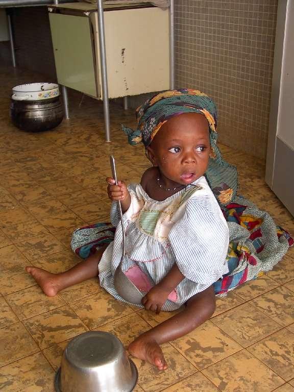Prevenire la trasmissione dell'HIV dalla madre al figlio è possibile: avremo bambini sani, forse orfani molto presto ma con la possibilità di essere aiutati a crescere.