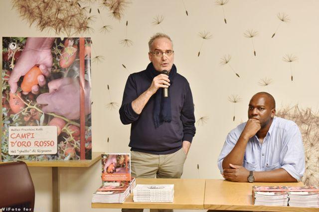 Matteo Fraschini Koffi con il fotografo Antonio Fortalezza
